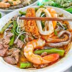 Cách nấu bún Thái hải sản chuẩn vị, ngon ngất ngây