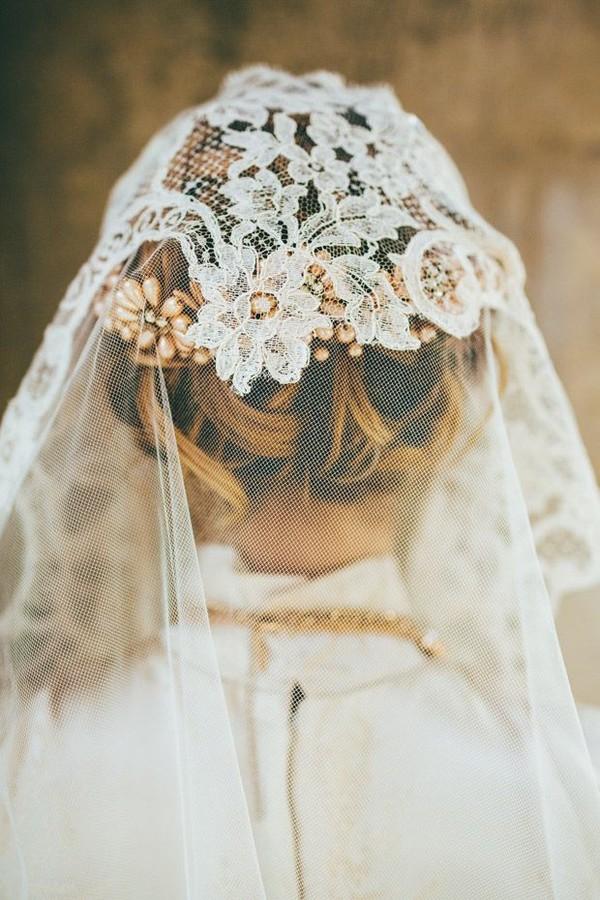 5 phụ kiện lãng mạn dành riêng cho cô dâu mùa thu