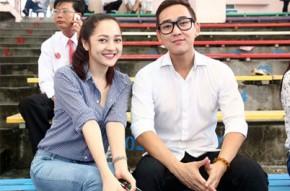 Phạm Quỳnh Anh, Bảo Anh đội mưa đi cúng giỗ tổ sân khấu