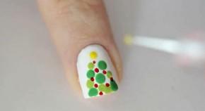Cách vẽ 10 mẫu nail tuyệt đẹp dành riêng cho Giáng sinh: Cây thông noel