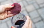Mẹo làm đẹp với rượu vang tại nhà cực đơn giản