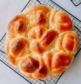 Bánh mì sữa đơn giản, đẹp mắt, ngon miệng