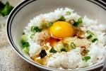 Cách làm cơm trộn trứng giản dị của người Nhật