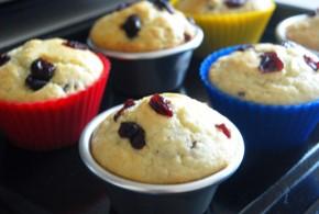 Tự làm chiếc bánh cupcake nho khô nhỏ xinh