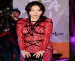 """Những chiếc đầm hở bạo """"đầy tai tiếng"""" của kiều nữ Hàn"""