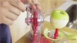 Thích thú với dụng cụ gọt táo cực đơn giản