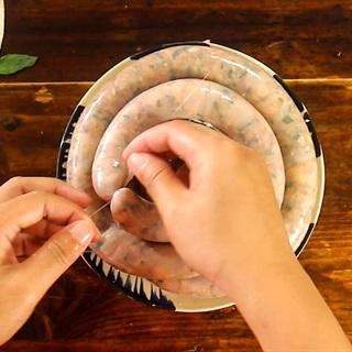Mách bạn cách làm dồi sụn non nướng đơn giản, thơm ngon - ảnh 4