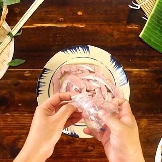 Mách bạn cách làm dồi sụn non nướng đơn giản, thơm ngon - ảnh 3